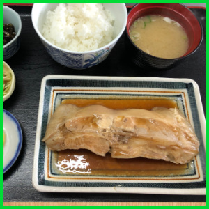 サメガレイ煮付定食